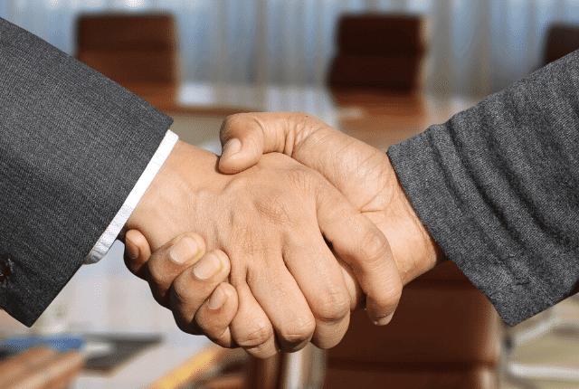 לחיצת ידיים כסיום ניהול משא ומתן