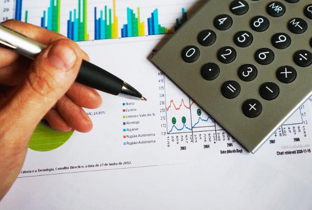 ייעוץ פיננסי, עסקים, כלכלה