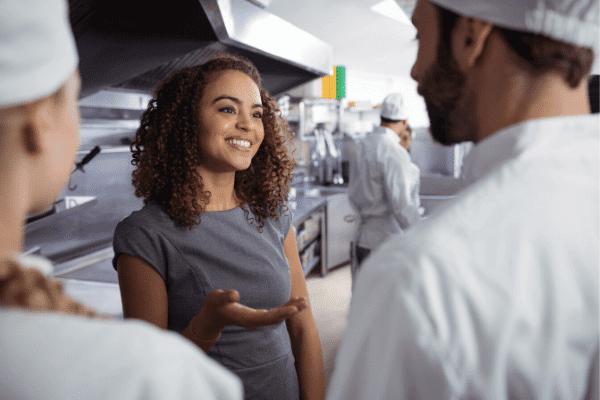 ליווי עסקי למסעדות, הדרכה, ניהול