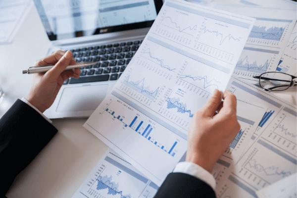 ייעול עסקי וניתוח נתונים