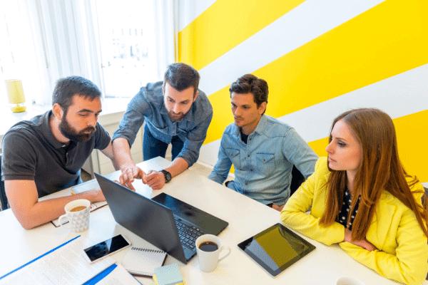 ייעוץ עסקי לסטארטאפים, פגישה עסקית במשרד